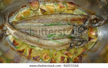 roast fishes with potatoes