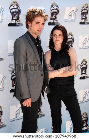 Robert Pattinson and Kristen Stewart  at the 2008 MTV Movie Awards. Gibson Amphitheatre, Universal City, CA. 06-01-08 - stock photo