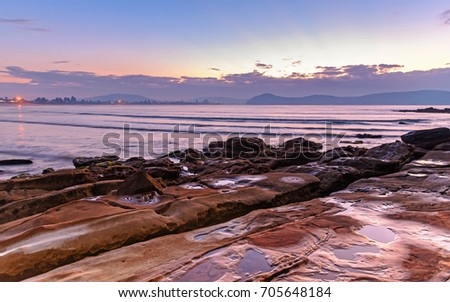 Beach Pink Sand Lodges On Water Stock Foto 145074505