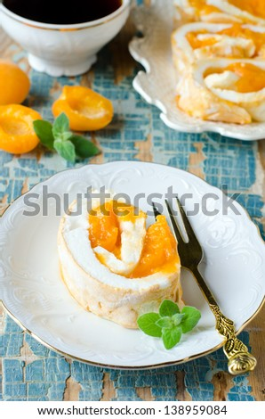 Roll with apricots. Selective focus