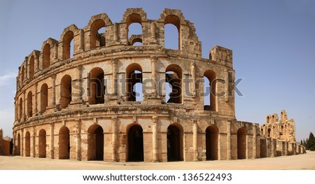 Roman Colosseum in Tunisia , Panorama