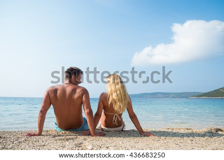 Romantic young Couple On Beautiful Tropical Beach