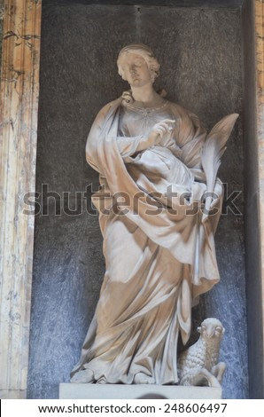 ROME - AUGUST 27, 2014: Details and the interior of the ancient Roman temple Pantheon, Rome, Italy