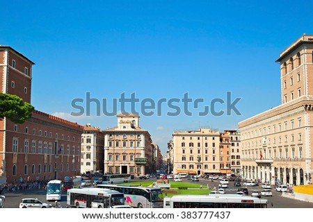 ROME, ITALY - AUGUST 27, 2013: Traffic at Venice square - is the central hub of Rome, Italy