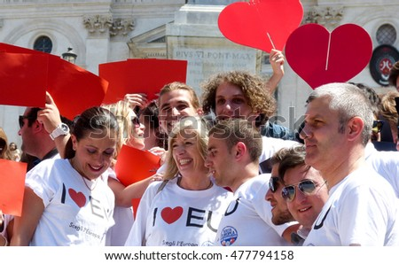 Rome, May 9, 2014 - Flash mob I love EU . Minister Stefania Giannini on the steps of Piazza di Spagna with dozens of kids to celebrate Europe