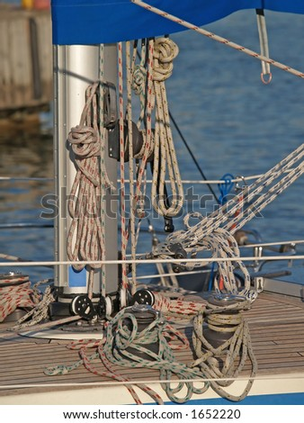 Ropes, knots and tackles on the ship