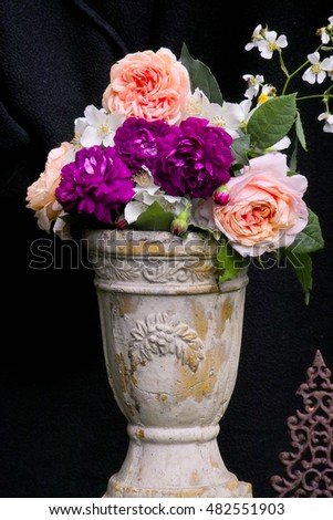 Rose bouquet of 'Abraham Darby' with Philadelphus flowers