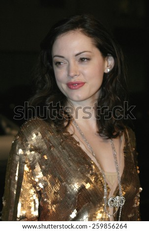 """Rose McGowan at the """"Sideways"""" Los Angeles Premiere held at the Academy of Motion Pictures Arts and Sciences in Beverly Hills, California United States on October 12 2004. - stock photo"""