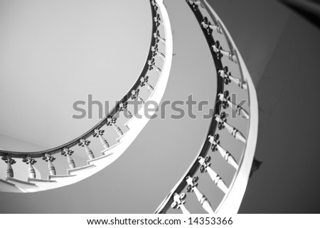 Round classical ladder in an interior of a temple