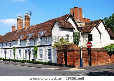 Row of cottages along Old Town, Stratford-Upon-Avon, Warwickshire, England, UK, Western Europe.