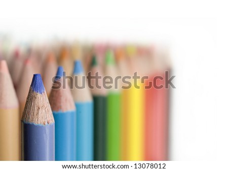 Rows of colored pencils