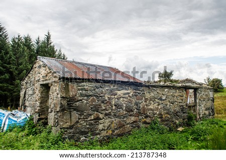 Ruined farm barn