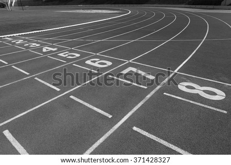 Running Lanes : Black and White