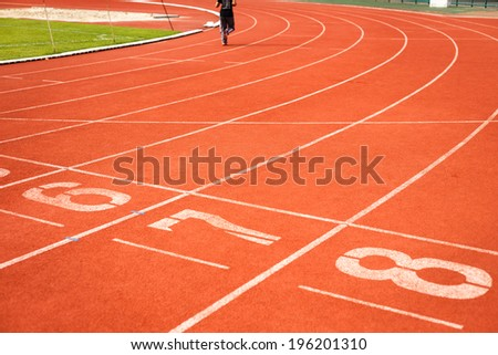 Running track numbers with runner.