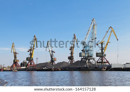 Russia, Kaliningrad, hoisting cranes in the commercial port