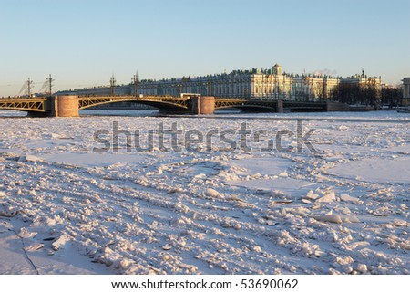 Russia, St. Petersburg. Dvortsovyj bridge and Winter Palace in winter