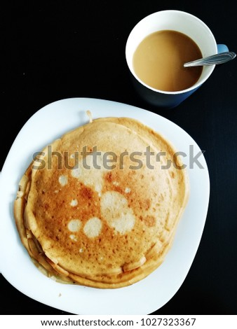 russian pancakes and coffee