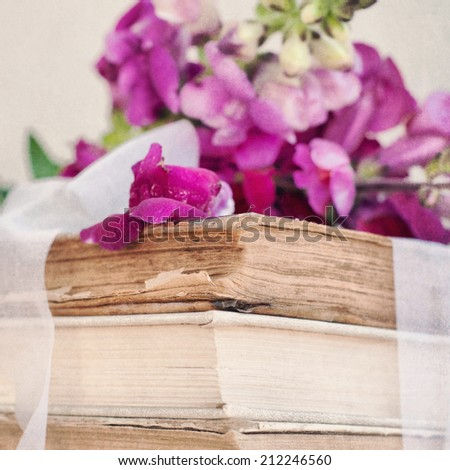Rustic bouquet of snapdragon (Antirrhinum majus)