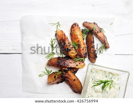 rustic potatoes with white sauce