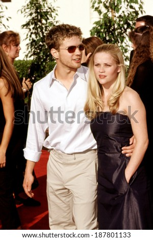 Ryan Phillippe & Reese Witherspoon at Blockbuster Entertainment Awards, LA, CA, 5/00