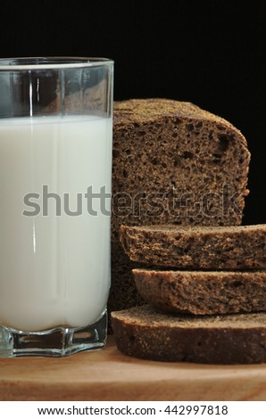 Rye bread and a cup of milk