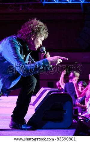 SACRAMENTO, CA - AUG 26: Rob Byrnes of Naked Eyes performs at Thunder Valley Casino in Lincoln, California on August 26th, 2011