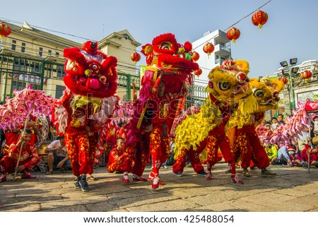 saigon vietnam february 18 2015 dragon and lion dance show in chinese - Chinese New Year Dragon Dance