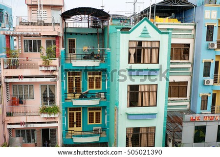 Vienna austria october 18 hundertwasser house stock photo for Apartments with shops below