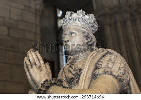 SAINT-DENIS, FRANCE   FEBRUARY 12, 2015 : statue of king Louis XVI in  basilica of saint-denis,  necropolis of french monarchs, February, 12, 2015 in Saint-Denis, near Paris, France.