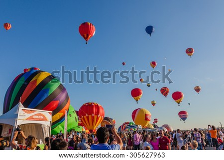 SAINT-JEAN-SUR-RICHELIEU, QUEBEC, CANADA - AUGUST 9, 2015 : 125 kinds of hot air balloons on Montgolfieres - The 8 Hot Air Balloons Festival Fleet in Saint-Jean-Sur-Richelieu, Canada on August 8, 2015