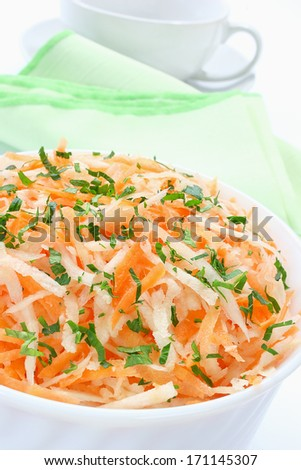 Salad of raw parsley and carrots