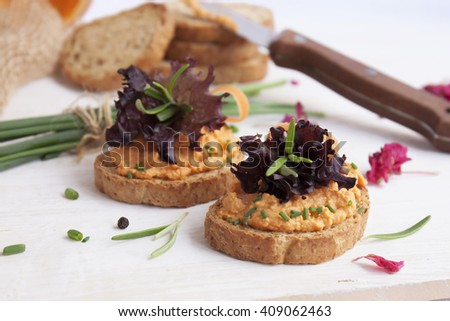 salmon pate on toast rye bread