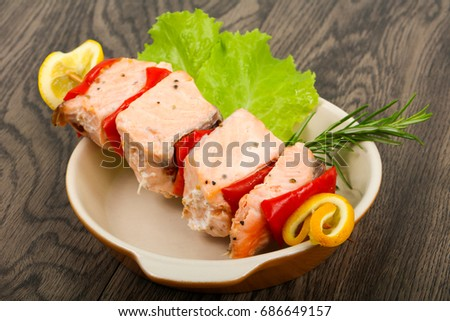 Salmon Skewer with pepper and lemon