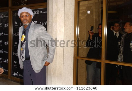 """Samuel L. Jackson at the World Premiere of """"1408"""". The National Theatre, Westwood, CA. 06-12-07 - stock photo"""