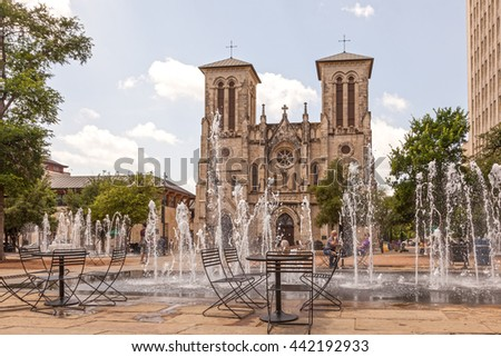 SAN ANTONIO, USA - APR 11, 2016: The Cathedral of San Fernando and a fountain in San Antonio. Texas, United States