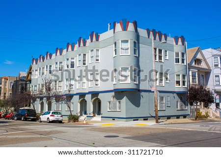 SAN FRANCISCO - August 2015: Classic apartment building in San Francisco, CA - stock photo