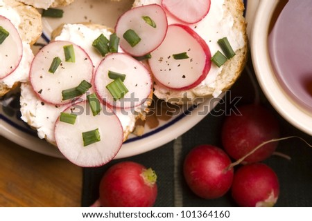 Sandwich with cheese, radish and chive - Healthy Eating - stock photo