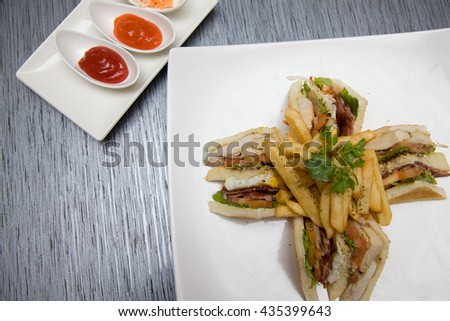 sandwich with french rfries