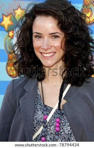 SANTA MONICA - MAR 14: Abigail Spencer at the Kevin + Steffiana James + Make-A-Wish Foundation Host A Day of Fun at the Santa Monica Pier in Santa Monica, California on March 14, 2010.
