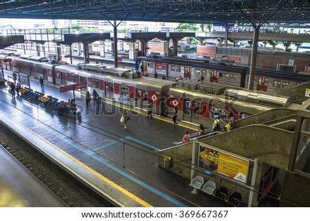 Sao Paulo, Brazil, January 29, 2016. People wait on platform of Barra Funda Station in Sao Paulo. This station serve to Subway and CPTM.