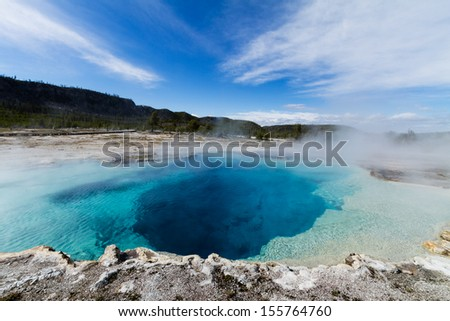 Sapphire Pool, Biscuit Basin, Yellowstone National Park, Wyoming, U.S.A.