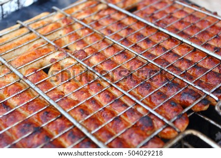 sausages, roast on the barbecue grate