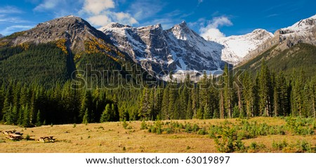 Scenic autumn views of Spray Valley, Peter Lougheed, and Bragg Creek Provincial Parks, in Kananaskis Country Alberta Canada