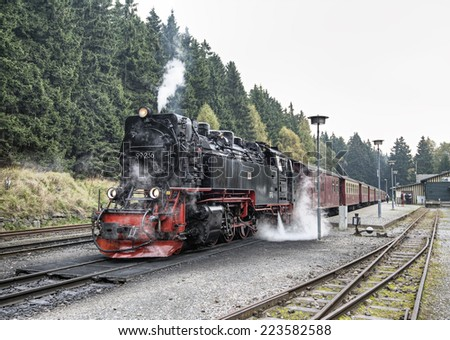 SCHIERKE, GERMANY - OKTOBER 02: historic German black steam powered railway train at Schierke station, Schierke, Harz, Germany, Europe, okt 02 2014