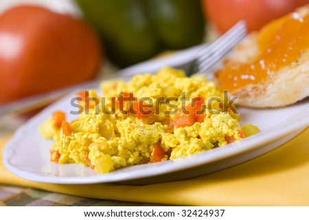 Scrambled Tofu with red bell peppers and English Muffin