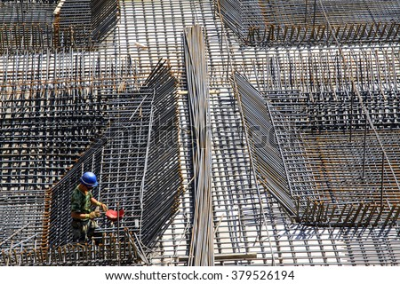 Screw thread steel bar framework, in the construction site