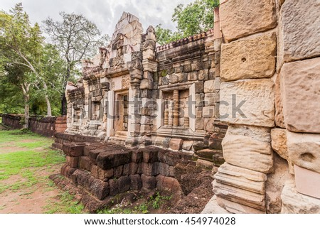 Sdok Kok Thom or Sdok Kak Thom, is an 11th-century Khmer temple The temple was dedicated to the Hindu god Shiva.