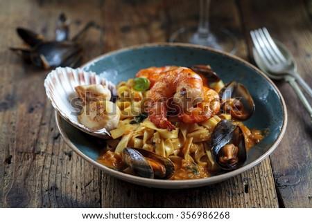 Seafood linguine - stock photo