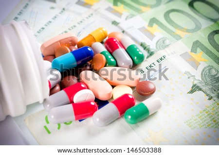 Selective focus on pills in the middle  - stock photo