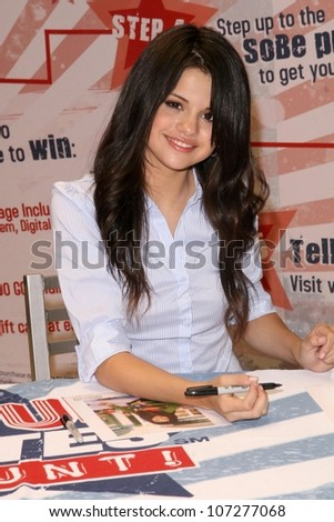 "Selena Gomez  at a Mall Appearance to promote 'Ur Votes Count"", an event for teens planning on voting in the 2012 election. Glendale Galleria, Glendale, CA. 08-16-08 - stock photo"